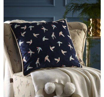 Oasis Hummingbird Cushion Bed
